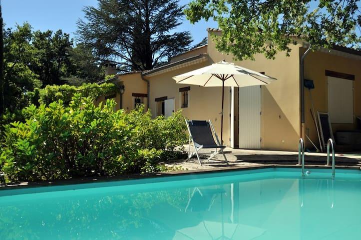 villa plain pied, piscine privée, 6 pers, provence