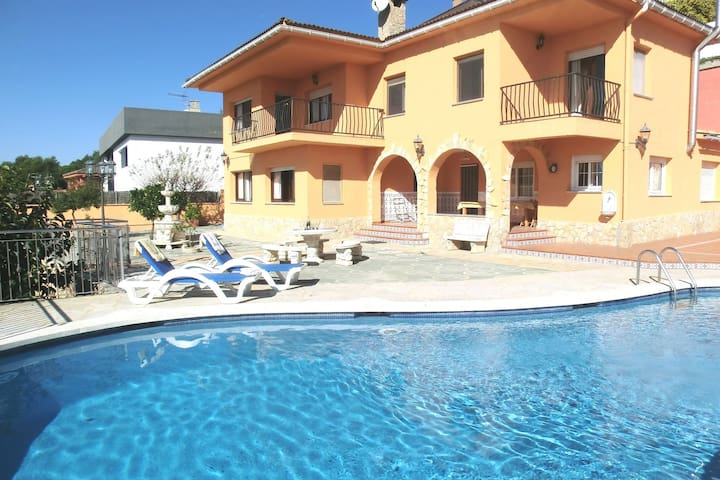 Beautiful Villa in Blanes with Private Swimming Pool