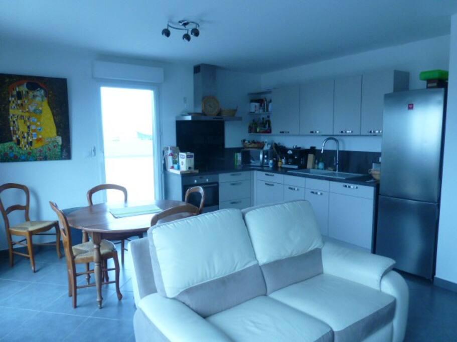 chambre marseille euro 2016 chambres d 39 h tes louer marseille provence alpes c te d 39 azur. Black Bedroom Furniture Sets. Home Design Ideas