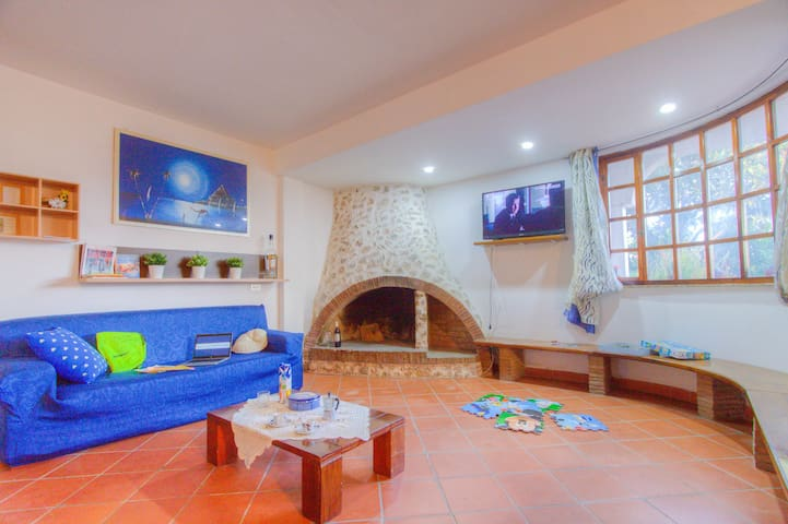 Apt in Villa 4+2 Garden WiFi Beach BBQ Rome Naples - Scauri - House