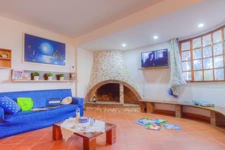 Apt in Villa 4+2 Garden WiFi Beach BBQ Rome Naples - Scauri - Rumah
