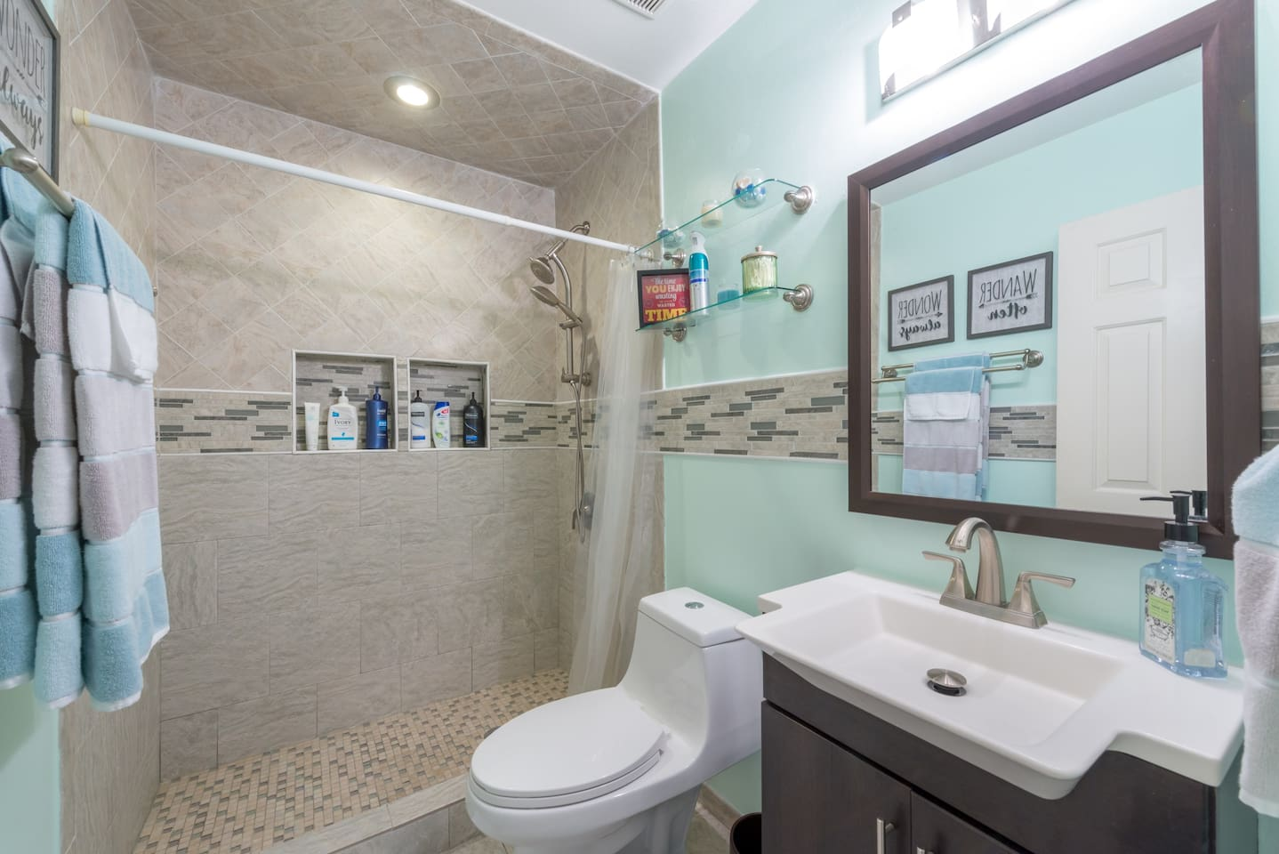Guest bathroom PRIVATE to guests and not shared (we have bathroom in our master bedroom)