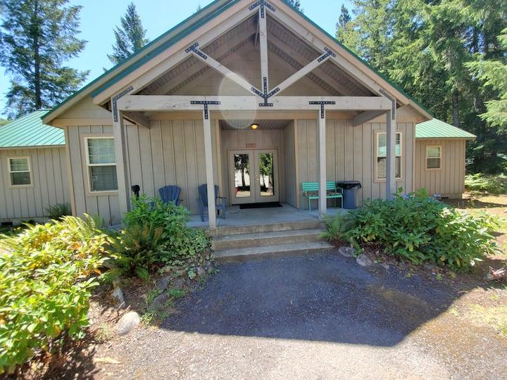McKenzie River Rental Bruce Oneil Room #6
