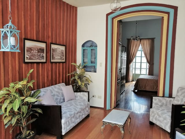 Colonial apartment in the historic center