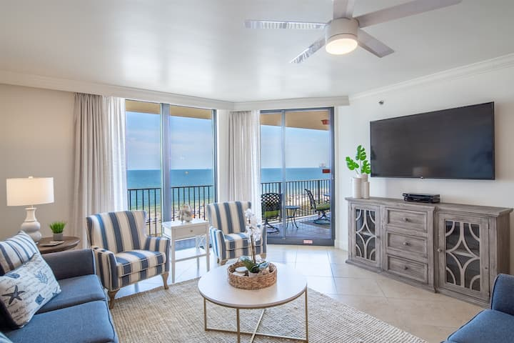 Beautiful Updated 3bed/2bath Condo On The Beach! Great Rates & Views!