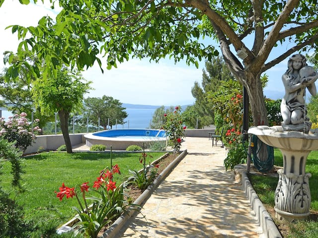 Holiday apartment Ana for 2 persons