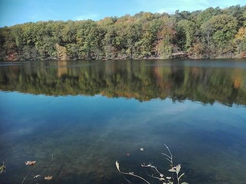 Життя на одному з найгарніших озер у світі (CNN)