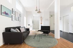 Interior+Designed+Three+Bedroom+Loft-Apartment+with+a+spacious+Balcony