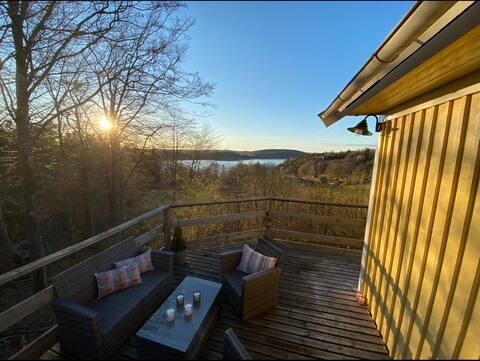 Stuga med utsikt över Gullmarsfjorden