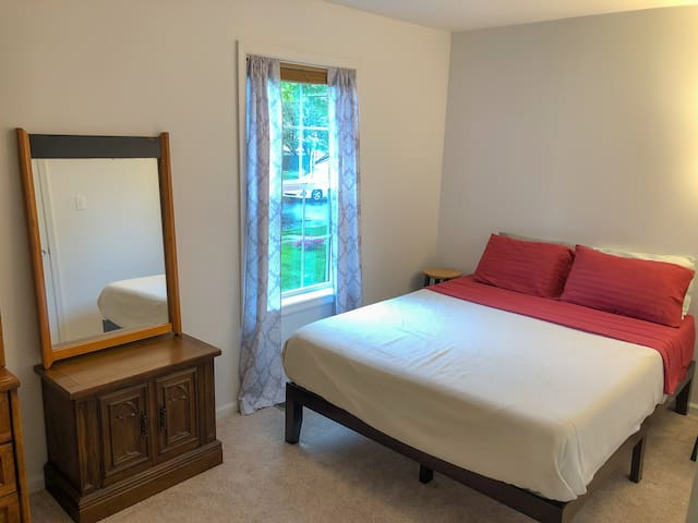 Quaint Guest Room in Bucks County PA
