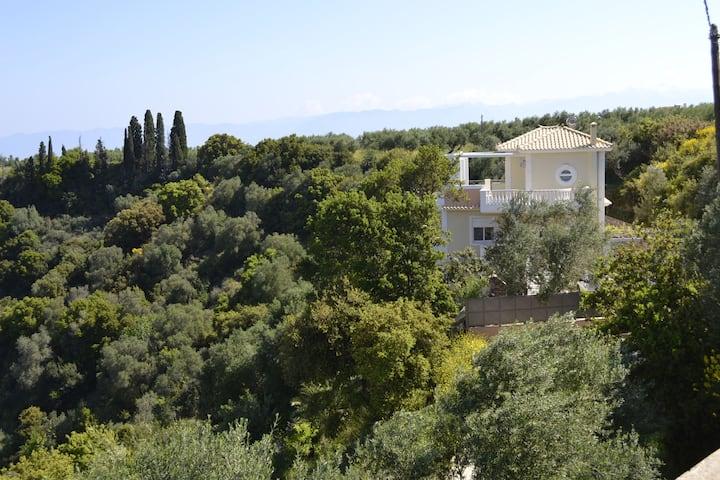 Villa Lagada vineyards view 4 min from the sea