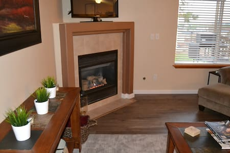 Nice Bed/Private Bath-Nice Home-Peaceful Setting - Spokane