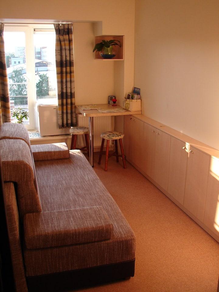 Compact Studio Apartment ✨Wi-Fi 🚘Car Parking✔️