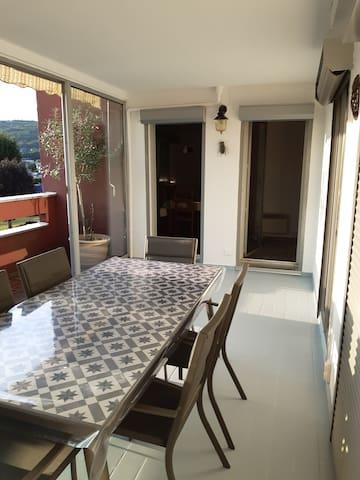 F4  avec terrasse