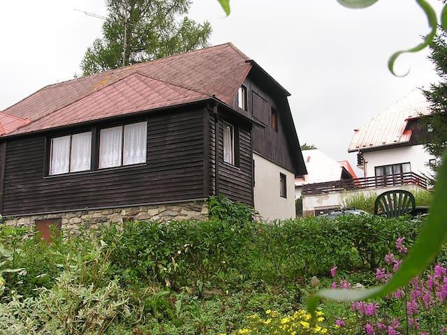 House for 6+1 persons in Hrdonov u Lipna R4904