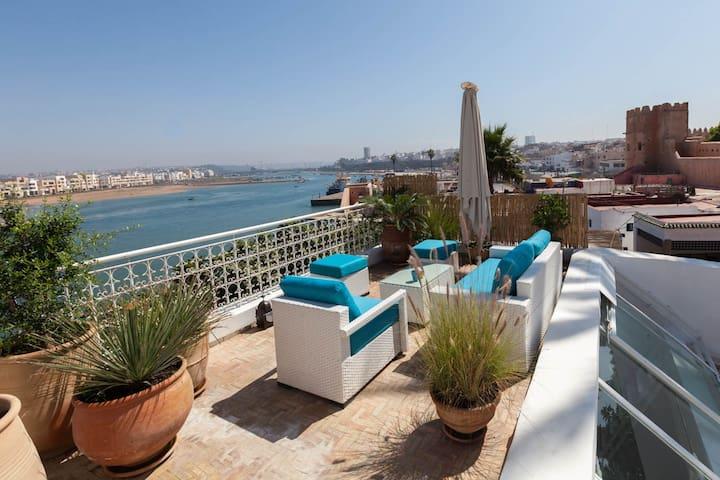 LAU04 luxury Flat-110 m2-in kasbah Sea View
