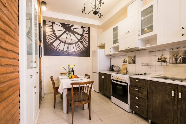 2 Bedrooms Stylish Apartment in Old Tbilisi