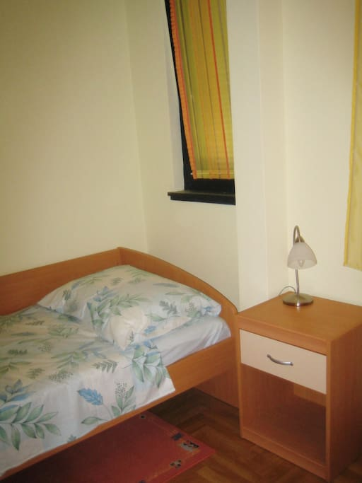 Single bedroom for a third person
