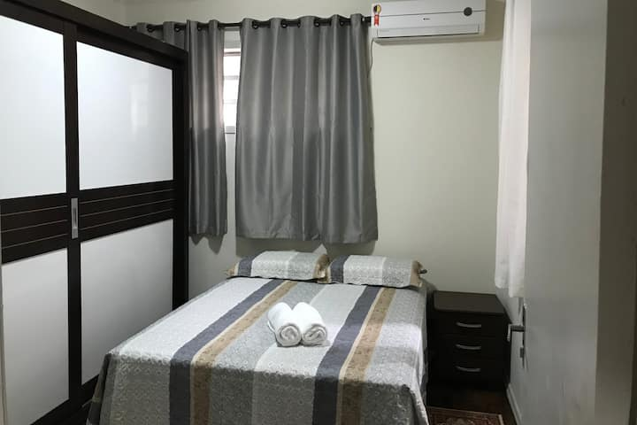 Apartamento prático e muito bem localizado (07)