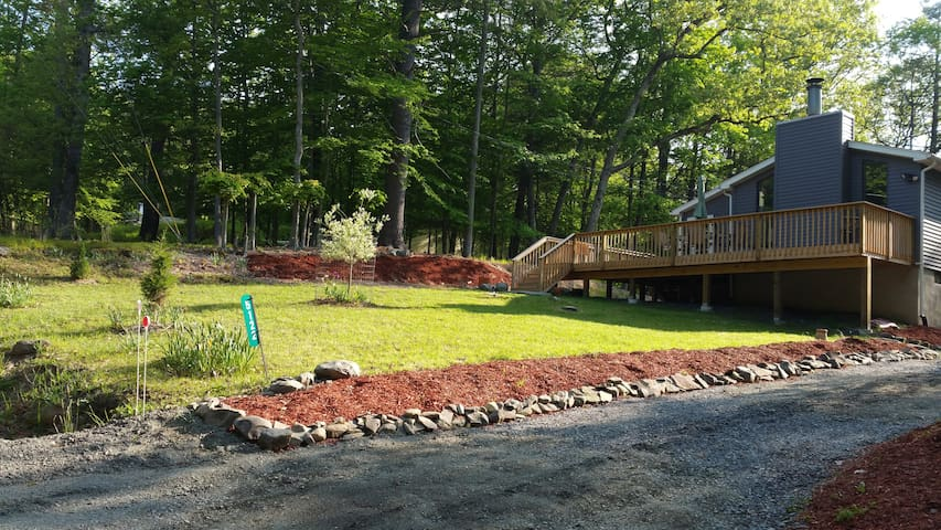 Modern Home in a Perfect Location - Bushkill - Casa