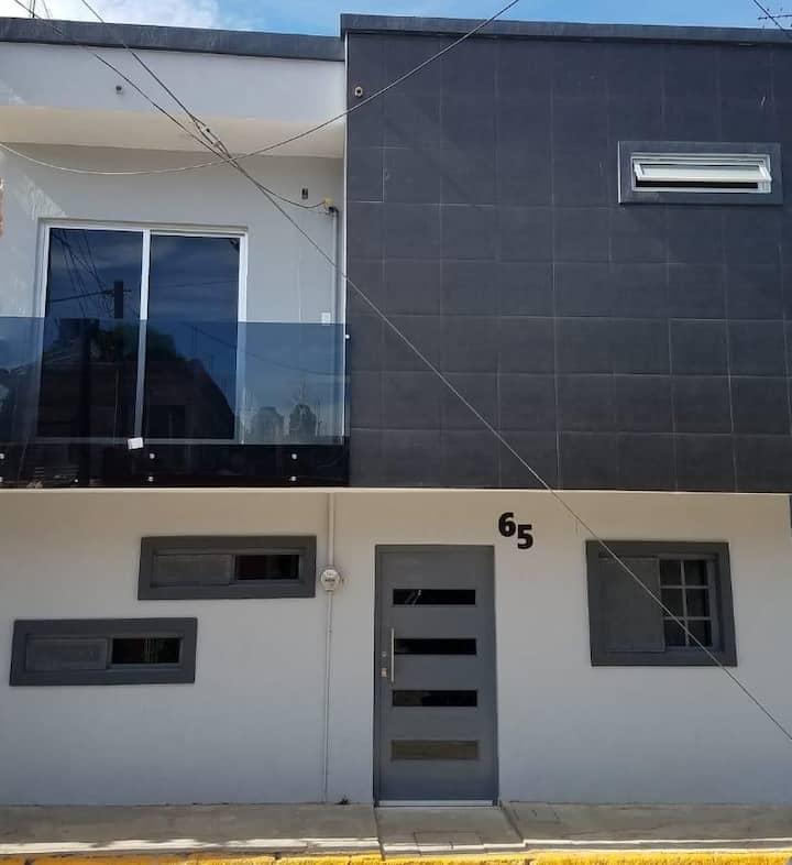 NEW OCAMPO'S HOUSE (a/c, WiFi, a 3 min del centro)