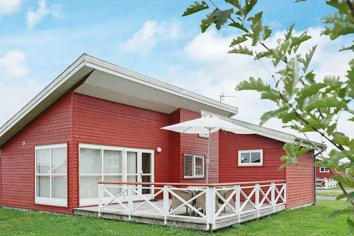 Casa vacanze moderna a Gudhjem con terrazza