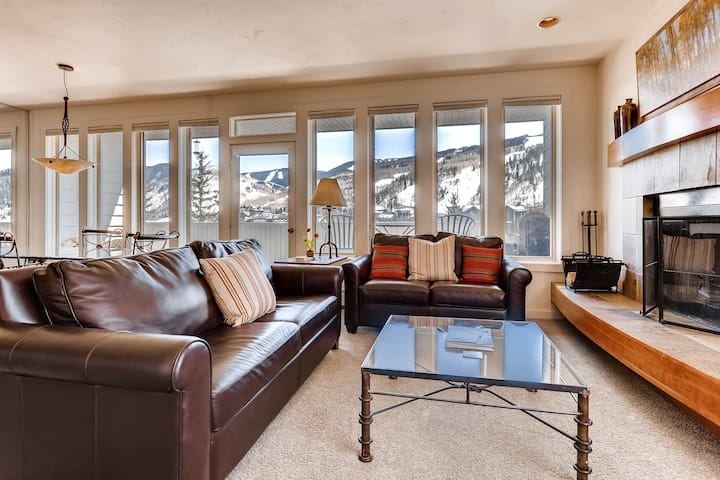 Deluxe family Condo with Mtn Views, walk to Eagle Bahn Gondola | SunVail 34B