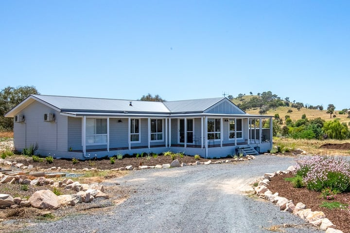 Tranquil, country retreat, Wallaroo wine district