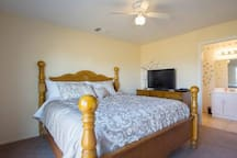 MBR (king size bed)