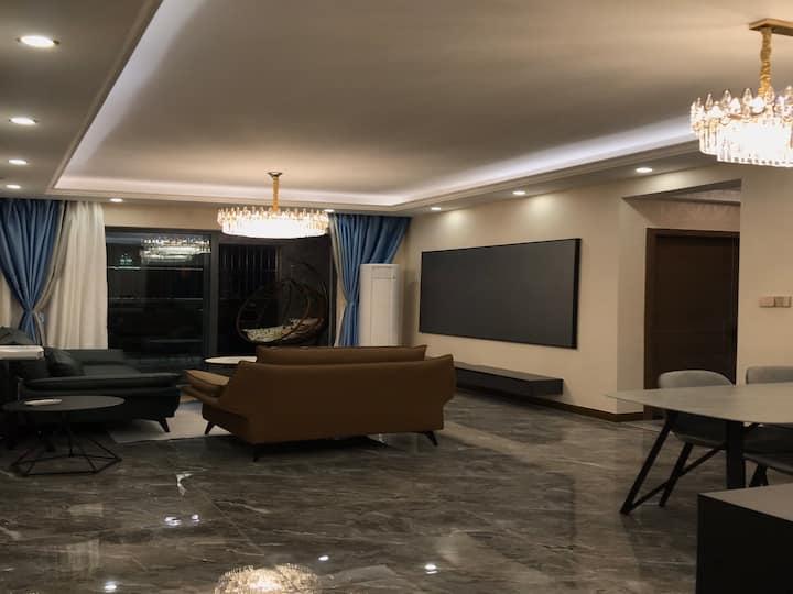 现代意式轻奢三房两厅套房96平米大户型(邻近七星岩、鼎湖山,交通便利,停车方便)
