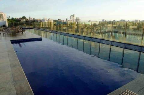 Lindo flat com piscina, academia, sauna no rooftop