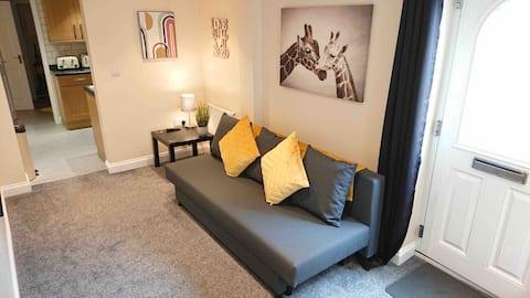 Modern, cosy apartment on edge of Peak District