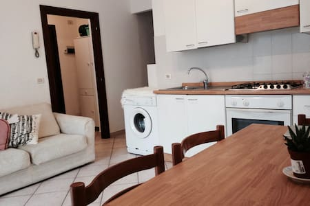2bedrooms flat 30mt from the beach - Rimini - Appartement