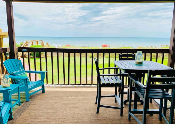 Seating and dinning on the deck with ocean views!