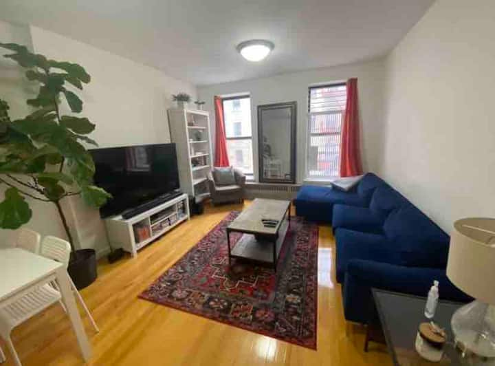 Large private room by Columbia & Central Park