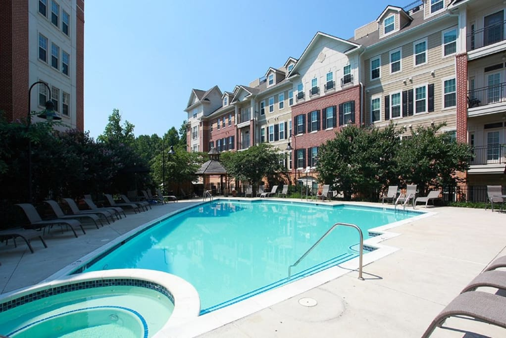 Spacious Lux Apt By Metro With Free Parking Apartments For Rent In North Bethesda Maryland