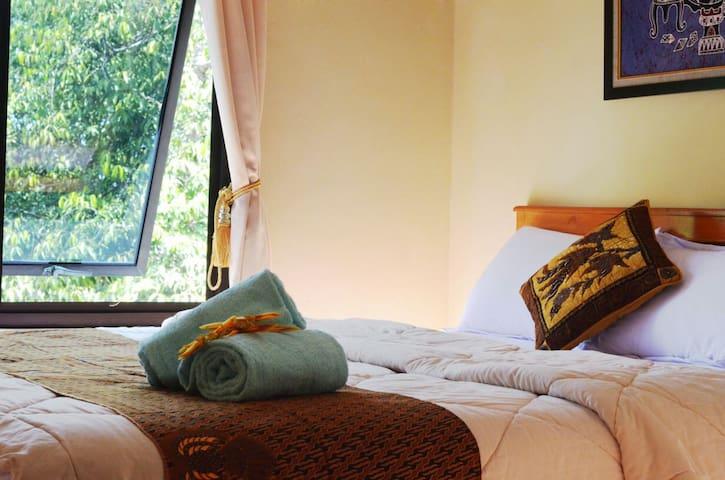 Wisma Putra Jaya - Kecamatan Sleman - Bed & Breakfast