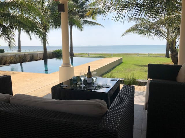 Beachfront Luxury Villa, Had Yao