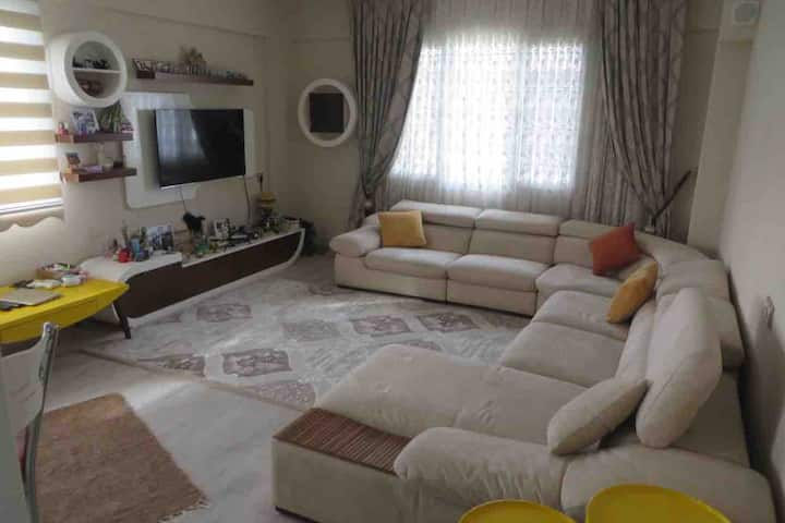 FULLY FURNISHED2 BEDROOM NEW FLAT,CENTRAL LOCATİON