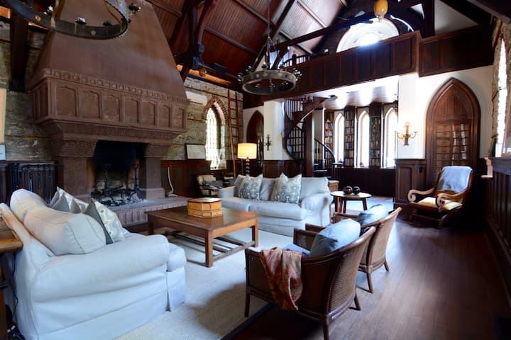Castle Mugdock - Fairy-Tale Gothic Castle w/ Pool