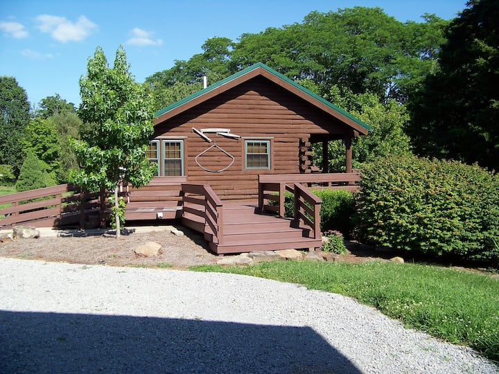 Hart's Rural Rentals, Cabin in the Country.