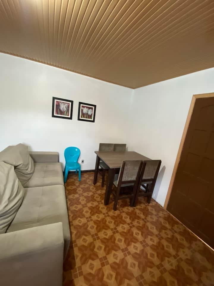 Casa pequena e aconchegante no centro de Torres RS