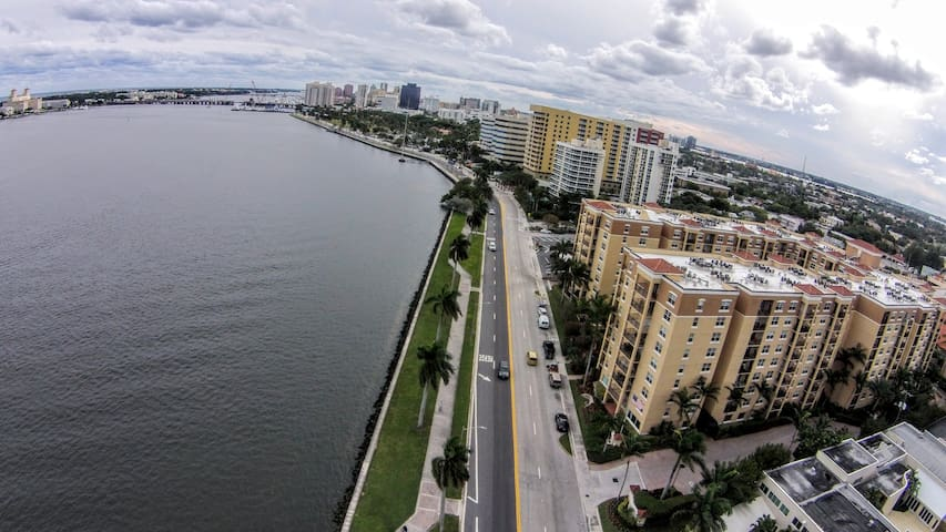 Perfect pad located on inter-coastal near DT WPB - West Palm Beach - Apto. en complejo residencial