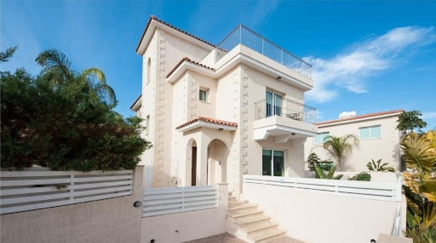 Palma modern Villa with private pool