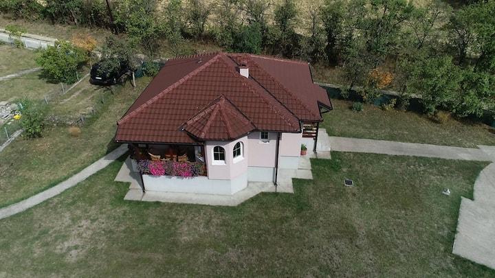 Turističko domaćinstvo Lazarević - Zlatni prag