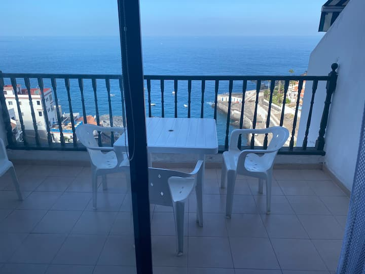 Studio with sea view and WiFi