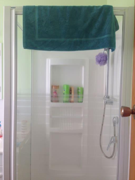 Clean green shower
