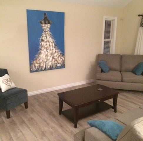 Button's AirBnB 1 - Eastern Passage - Ev