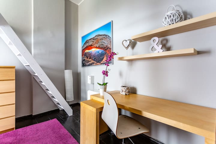 spacious room with entresole! nr 6