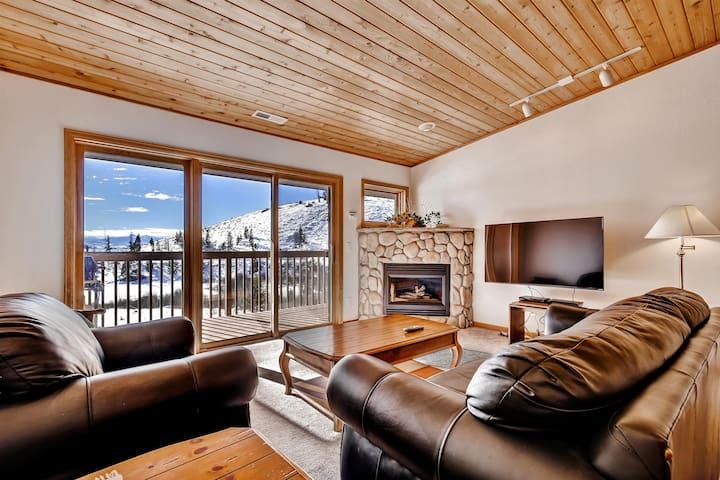 Grand Lake Condo w/ Deck & Panoramic Views!